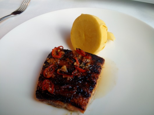Chilli and Soy Barbecued Salmon Fillet - I asked for this medium-well, and it was served exactly as I like it, apparently the chef does not usually do chilli dishes, considering this I would have to say that he has done excellently in this respect!